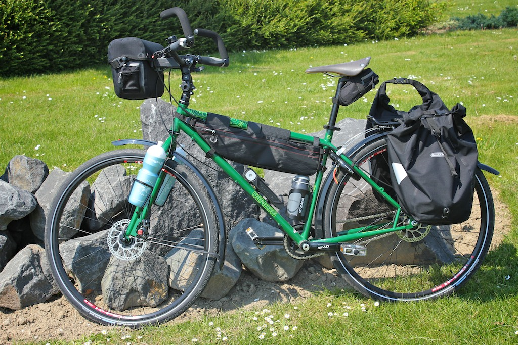 Medium Bag On Genesis Forude Adventure Bicycle With A 19 Frame And 500 Ml Bottle